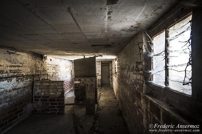 abandoned-farm-21