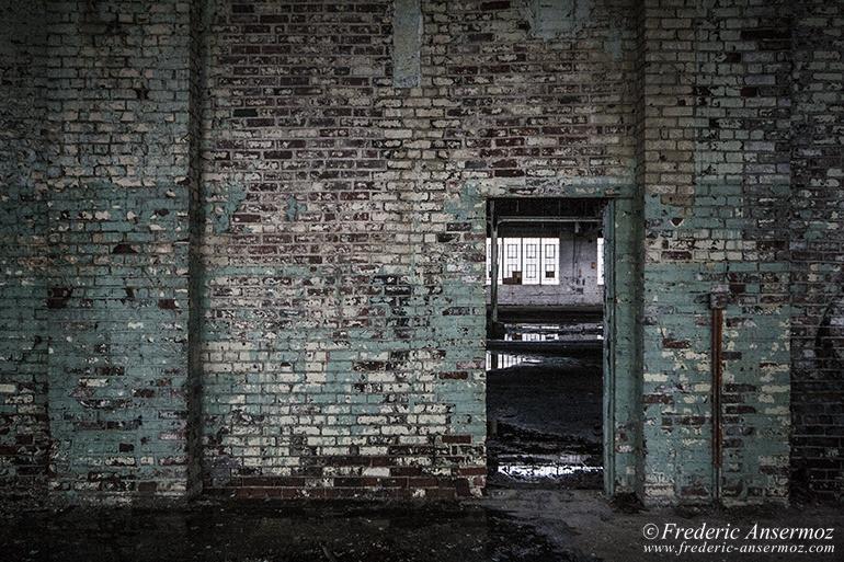 abandoned-plant-stelfil-02