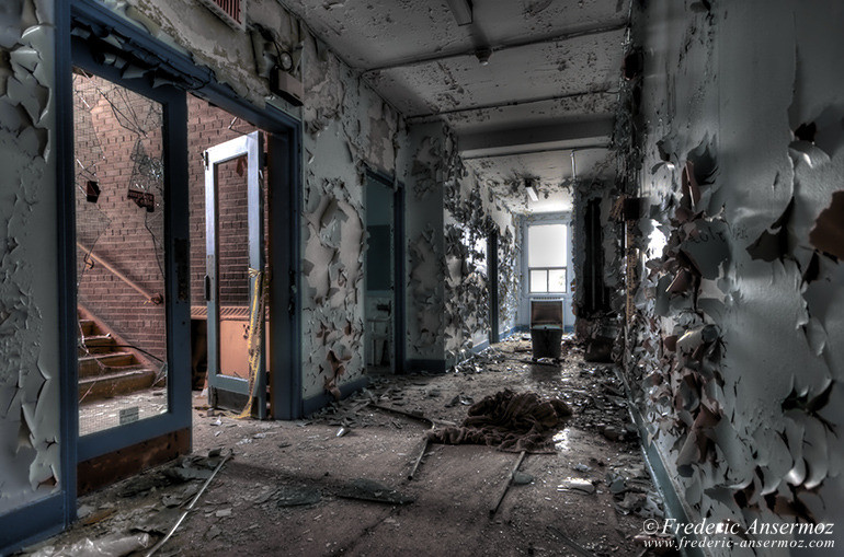 abandoned-school-hdr