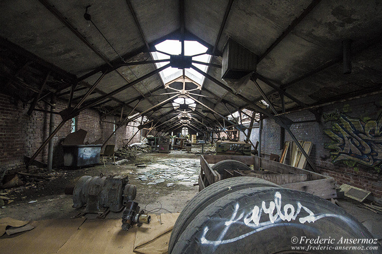 abandoned-plant-montreal-17