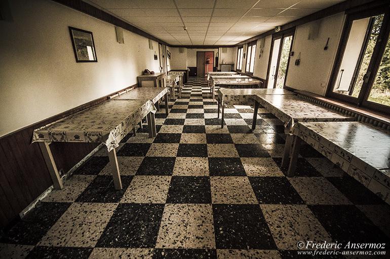Abandoned hotel 01