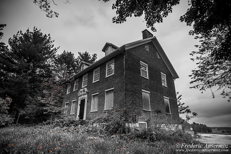 Abandoned mansion qc 23