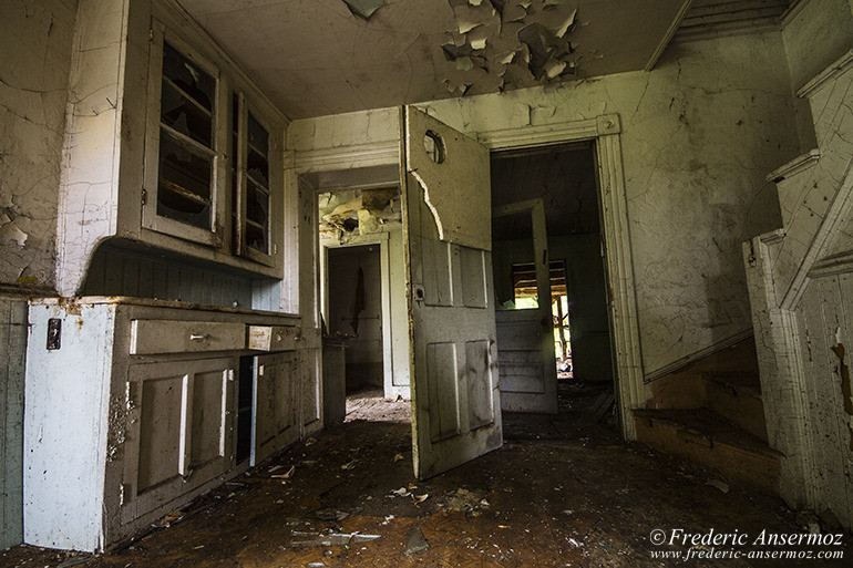 Abandoned house quebec 19