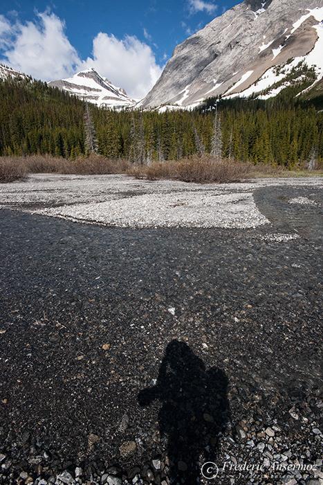 11 photographer silhouette mountains