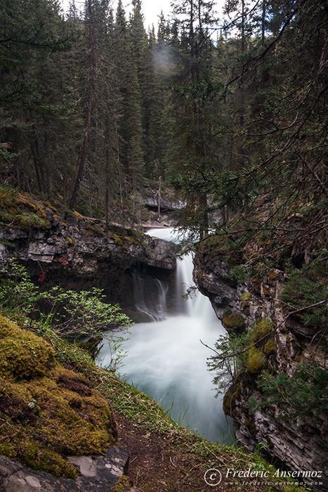 18 johnston canyon waterfall