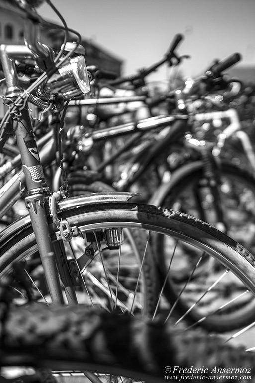 13 bicyclette noir blanc