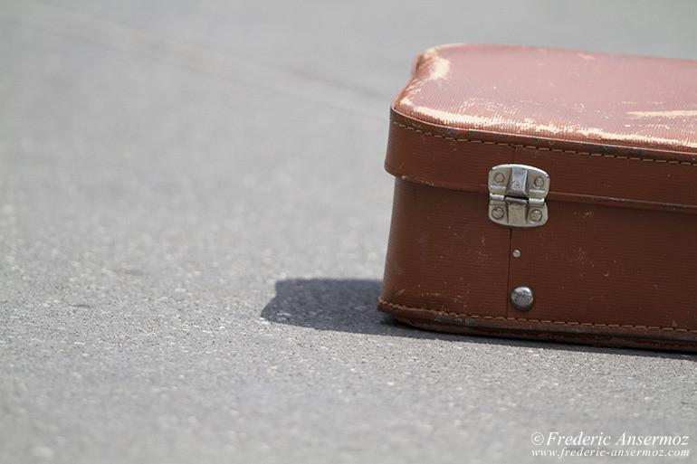 22 valise sur route