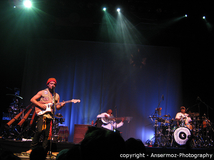 Xavier Rudd and Izintaba in Montreal at Metropolis