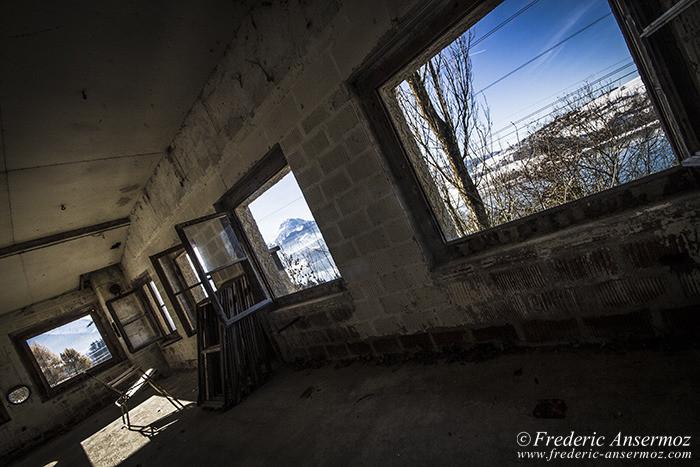 Abandoned farm 68