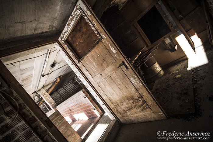 Abandoned farm 82