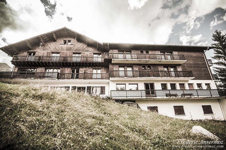 Hotel abandonne 01