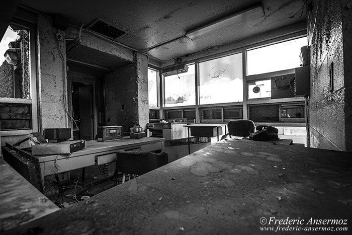 Incinerateur_carrieres_montreal_bw_025