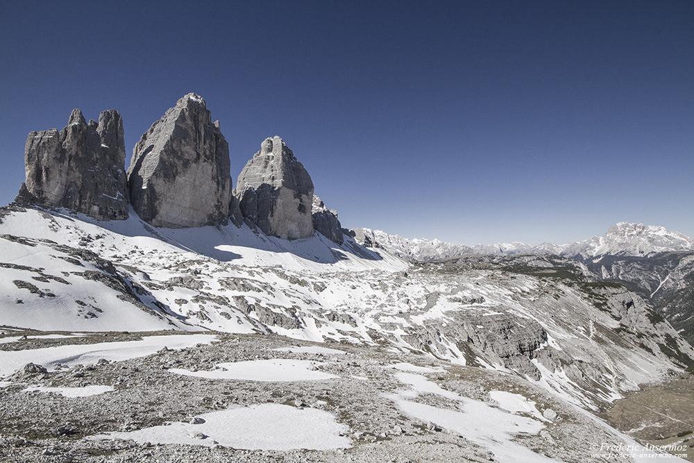 Tre Cime di Lavaredo,(de gauche à droite), Cima Piccola, Cima Grande et Cima Ovest