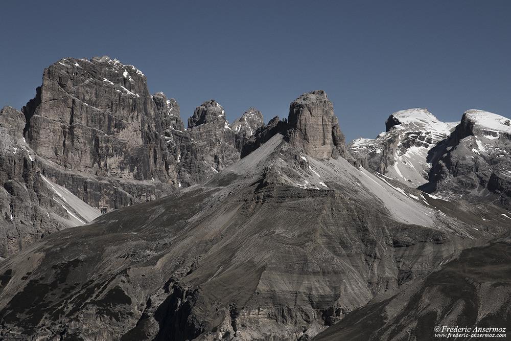 Impressionnants sommets dans les Dolomites, Alpes italiennes