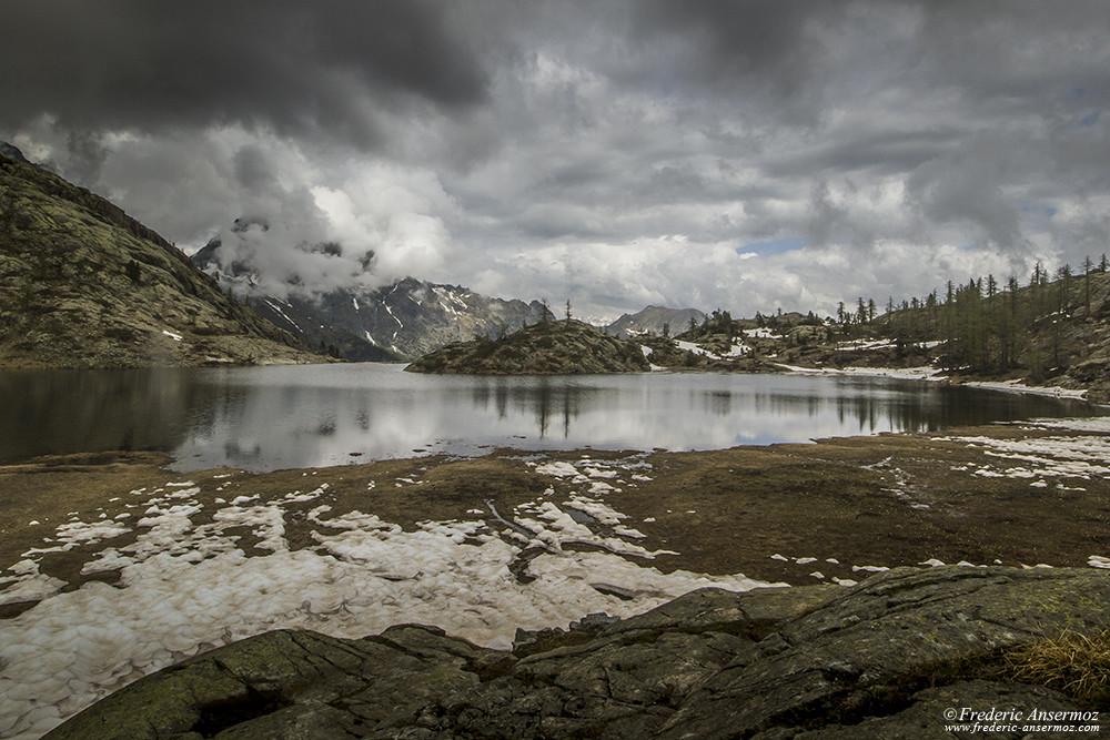 Lago Bianco dans le Parc du Mont Avic