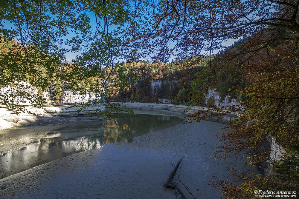 Gorges du Doubs avec presque plus d'eau