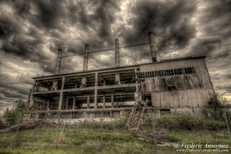 Abandoned factory quebec 01 hdr