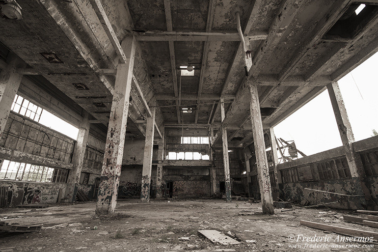 Abandoned factory quebec 02