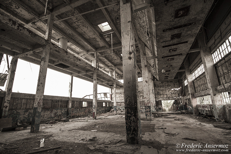 Abandoned factory quebec 09