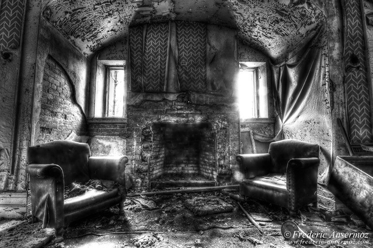 Abandoned mansion hdr