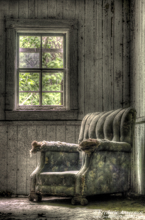 Old armchair hdr
