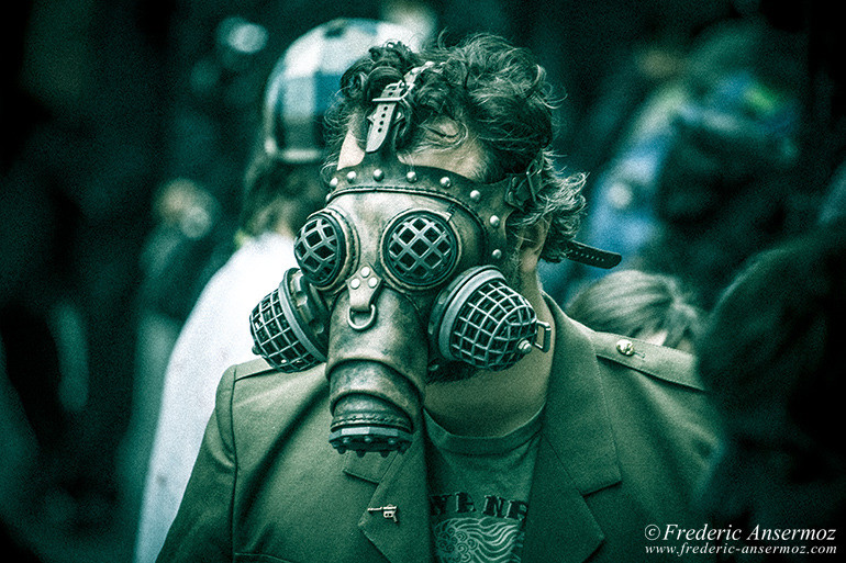 Zombie walk montreal 06